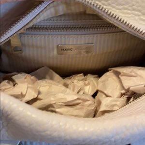 Marc Jacobs Bags - Cream colored Marc Jacobs Purse